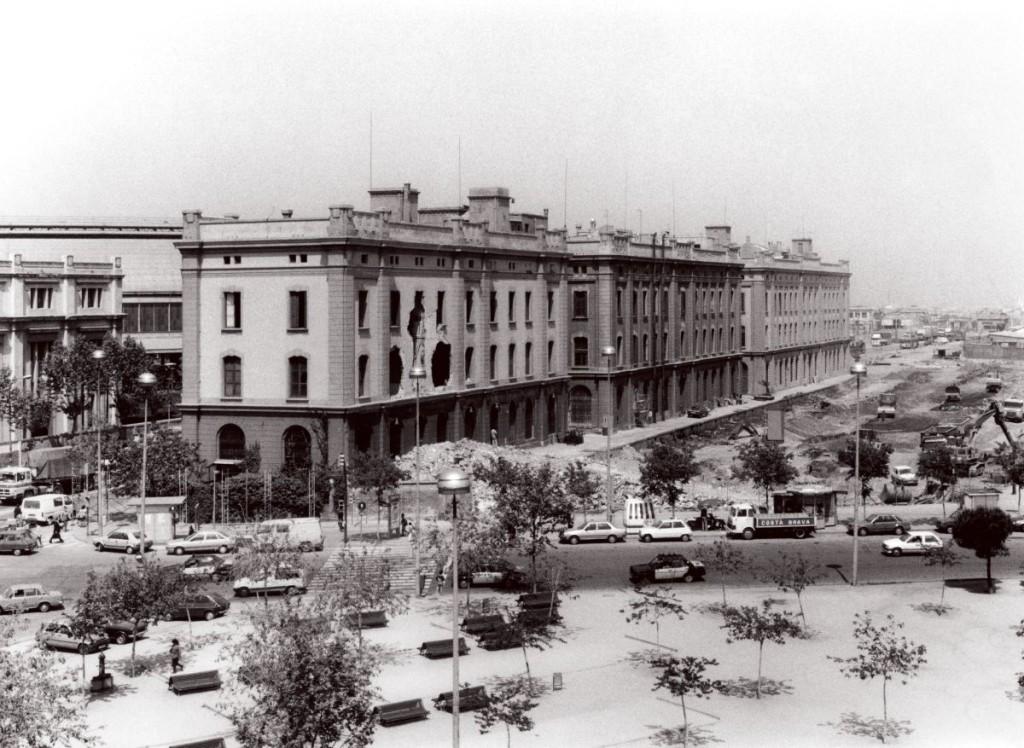 Edificis de la MZA. El tercer bloc estava cosntruit en el solar de la primitiva estació. Foto Martí Llorens