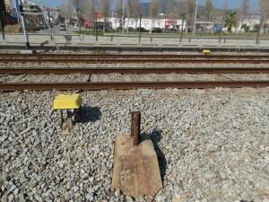 Restes de la 1ª línia elèctrica del ferrocarril, El Masnou, 2015.