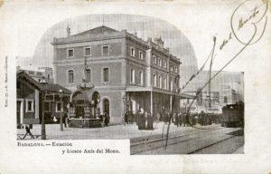 Estació de Badalona amb el quiosc de begudes Anís el Mono, postald'Amadeu Mauri 1902 (Archivo ferroviario)